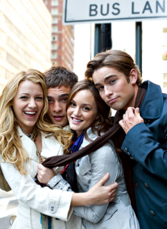 @QueenSerena Obw2n39m4l7y735j2l4a075e4161fa9_gossip-girl-1-t-blake-lively-ed-westwick-leighton-meester-chace-crawford
