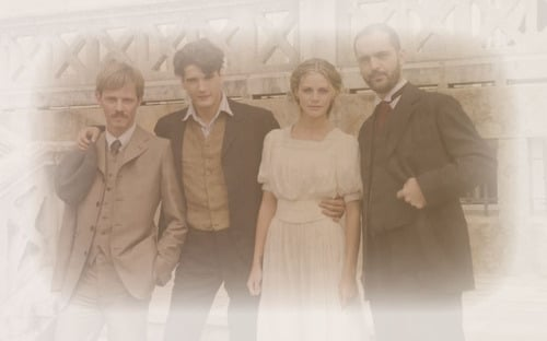 collages  gifs  montajes de gran hotel
