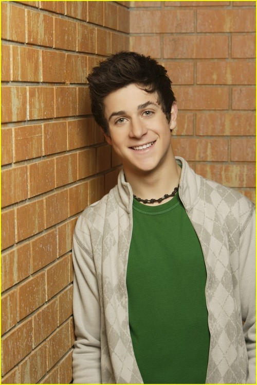 David Henrie - Wallpaper Gallery