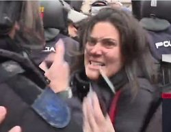 """El mal trago de María Llapart ('Al rojo vivo') en la manifestación de Jusapol: """"¡Que soy periodista, hostia!"""""""