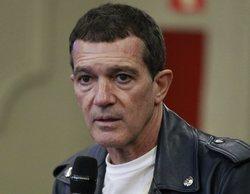 Antonio Banderas denuncia el acoso de los paparrizis sin seguridad en la primera salida del confinamiento