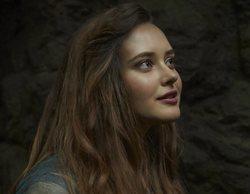 Primeras imágenes de 'Maldita', la veraniega apuesta de Netflix con Katherine Langford ('Por 13 razones')
