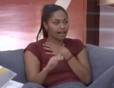 "El percance de Nia: ""Me metí en la vagina una pelota de ping-pong y se quedó dentro"""