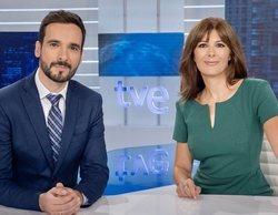 """Lluís Guilera se despide del 'Telediario' y de su compañera Lara Siscar: """"Te quiero"""""""