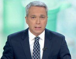 Vicente Vallés vuelve a 'Antena 3 noticias' con zascas a Pedro Sánchez y Podemos