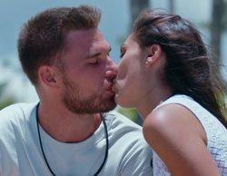 """Tom y Sandra se besan por primera vez en 'La isla de las tentaciones': """"Me pones nervioso"""""""