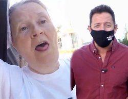 Una negacionista tose y estornuda en la cara a Boro Barber y el cámara de 'En el punto de mira'