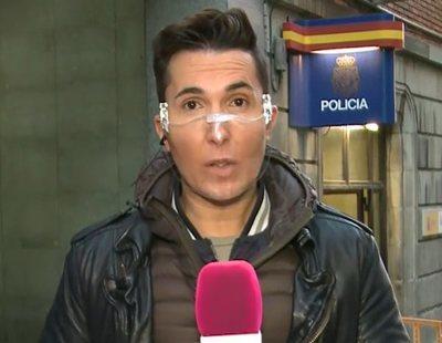 Omar Suárez, centro de debate al aparecer en 'Sálvame' con una mascarilla transparente
