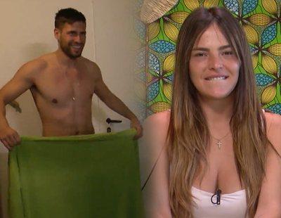 """'La casa fuerte' pilla desnudo a Albert y Marta enloquece: """"Enséñame lo que tienes ahí"""""""
