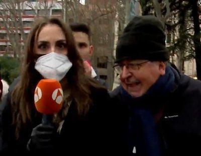 """Negacionistas de la covid increpan a una reportera de Antena 3: """"¡Sois el demonio!"""""""