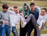 Crítica de 'Los espabilados': El placer de pertenecer a un grupo (aunque la sociedad nos mire mal)