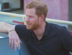 El príncipe Harry revela a James Corden qué actor le gustaría que le interpretase en 'The Crown'