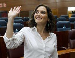 Isabel Díaz Ayuso reacciona con sarcasmo al rótulo de 'Las cosas claras' que relaciona la playa con Madrid