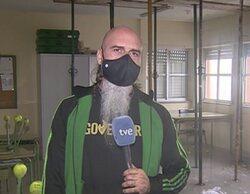 Indignación en las redes por el aspecto de un reportero de RTVE durante una conexión