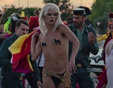 Samantha Hudson fusila a Franco en su polémico videoclip:
