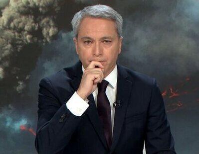 Vicente Vallés sufre un inoportuno ataque de tos que interrumpe 'Antena 3 Noticias 2'