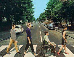 Los actores de 'Glee' posan recreando los discos de Los Beatles