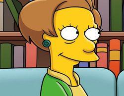 'Los Simpson' homenajea de nuevo a Edna Krabappel convirtiéndola en un ángel en la cabecera navideña