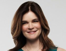 """Betsy Brandt: """"El Parkinson es un elemento muy pequeño en 'El show de Michael J. Fox'. Hay episodios en los que ni se menciona"""""""