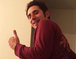 Berto Romero celebra el millón de seguidores en Twitter enseñando el culo