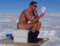 Alexander Skarsgard ('True Blood') comparte en las redes sociales una foto desnudo en la Antártida