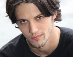 Nathan Parsons sustituye a Luke Grimes en el papel de James en 'True Blood'