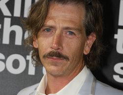 Ben Mendelsohn será el hermano de Kyle Chandler en su nueva serie junto a los creadores de 'Daños y perjuicios'