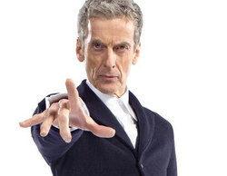 Primera imagen oficial de Peter Capaldi en 'Doctor Who' con su vestimenta como duodécimo Doctor