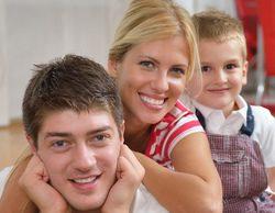 La mayoría de niños ve la televisión acompañados, los jubilados los más solos