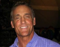 John Wesley Shipp, el Flash original, se incorpora al piloto de la nueva 'Flash'
