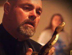 Muere Jamie Coots, encantador de serpientes en un programa de National Geographic
