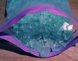 Unos traficantes intentan imitar a 'Breaking Bad' tiñendo metanfetamina de azul