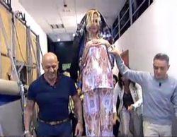 Críticas en Twitter contra 'Sálvame' por una paródica procesión con Rosa Benito aupada como una Virgen