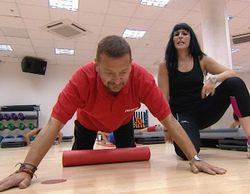 'El jefe infiltrado' sufre una lesión en su propio gimnasio debido a la excesiva exigencia de una de sus empleadas