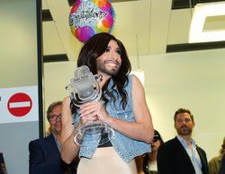 Miles de personas reciben a Conchita Wurst en Viena tras su victoria en Eurovisión