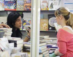 Los rostros televisivos revolucionan la Feria del Libro de Madrid