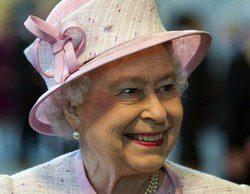 La Reina Isabel II visita los estudios de 'Juego de Tronos' en Belfast
