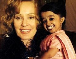 Primera imagen de Jessica Lange en 'American Horror Story: Freak Show' junto a la mujer más pequeña del mundo