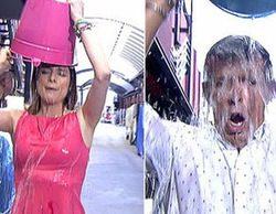Edurne, Josep Pedrerol y las chicas de 'Hable con ellas' se mojan en el reto del cubo del agua helada