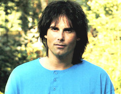 Muere Jimi Jamison, la voz de la sintonía de 'Los Vigilantes de la Playa'