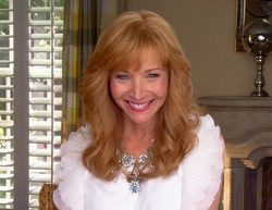 "'The Comeback' 2x01 Recap: ""Valerie Makes a Pilot"""