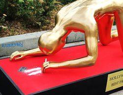 Una estatua de un Oscar esnifando cocaína aparece en el Paseo de la Fama de Hollywood