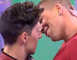 El beso entre Labrador y Jesús Reyes en 'Mujeres y Hombres y Viceversa' reaviva la petición de una edición homosexual