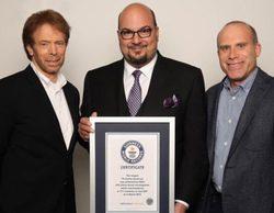 """'CSI' rompe el Récord Guinness al emitir el capítulo """"Kitty"""" ('CSI: Cyber') en 171 países simultáneamente"""