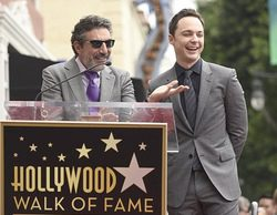 Jim Parsons, Sheldon en 'The Big Bang Theory', premiado con una estrella en el Paseo de la Fama de Hollywood
