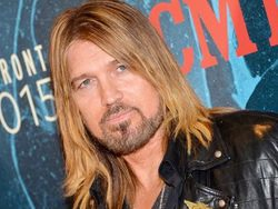 Billy Ray Cyrus, padre de Miley Cyrus, protagonizará la comedia 'Still the King'