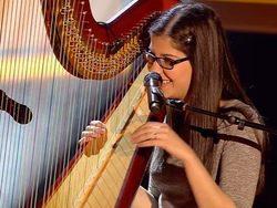 """Una concursante de 'La Voz 3' """"copia"""" con su arpa una actuación de 'The Voice UK'"""