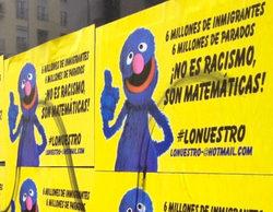 Carteles racistas con ilustraciones de Coco de 'Barrio Sésamo' inundan las calles de Madrid