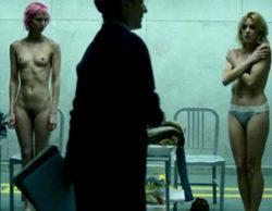 'Vis a vis' desnuda a sus protagonistas en su primer episodio