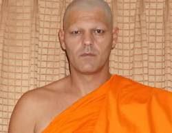 El impresionante cambio de look de Frank Cuesta: se convierte en monje tibetano